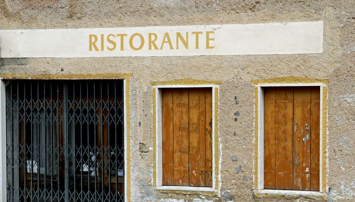 Coronavirus, i ristoranti italiani riaprono: il flashmob
