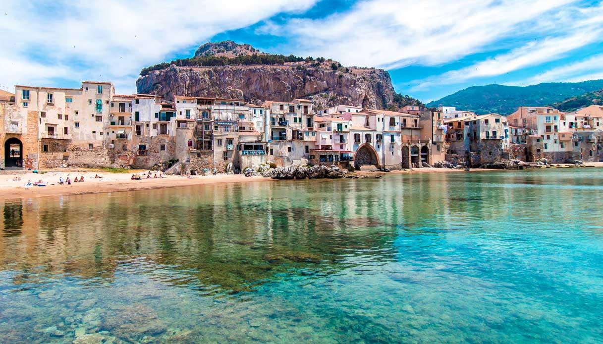 Coronavirus, stop all'apertura della stagione balneare in Sicilia