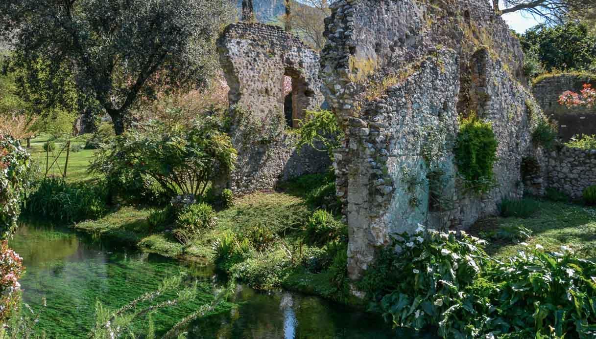 Fase 2, riapre il Giardino di Ninfa: il calendario per prenotarsi