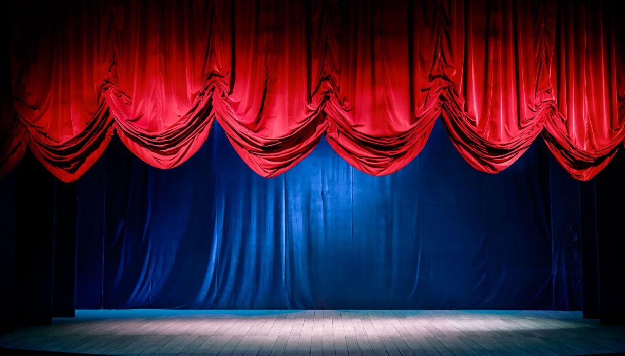 Un camion-palco in giro per le piazze: l'idea del Teatro Parenti