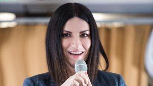 Concerti sul divano: gli eventi da Laura Pausini a Ligabue