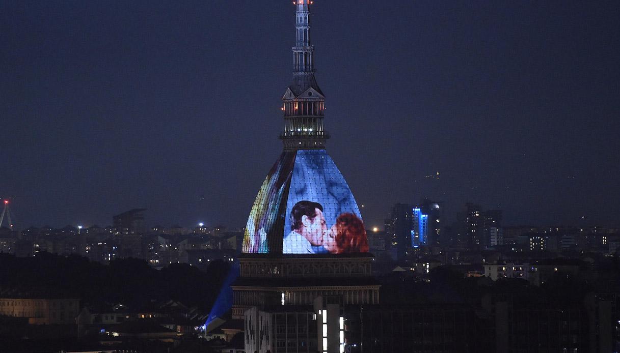 Torino, la Mole Antonelliana diventa un cinema a cielo aperto