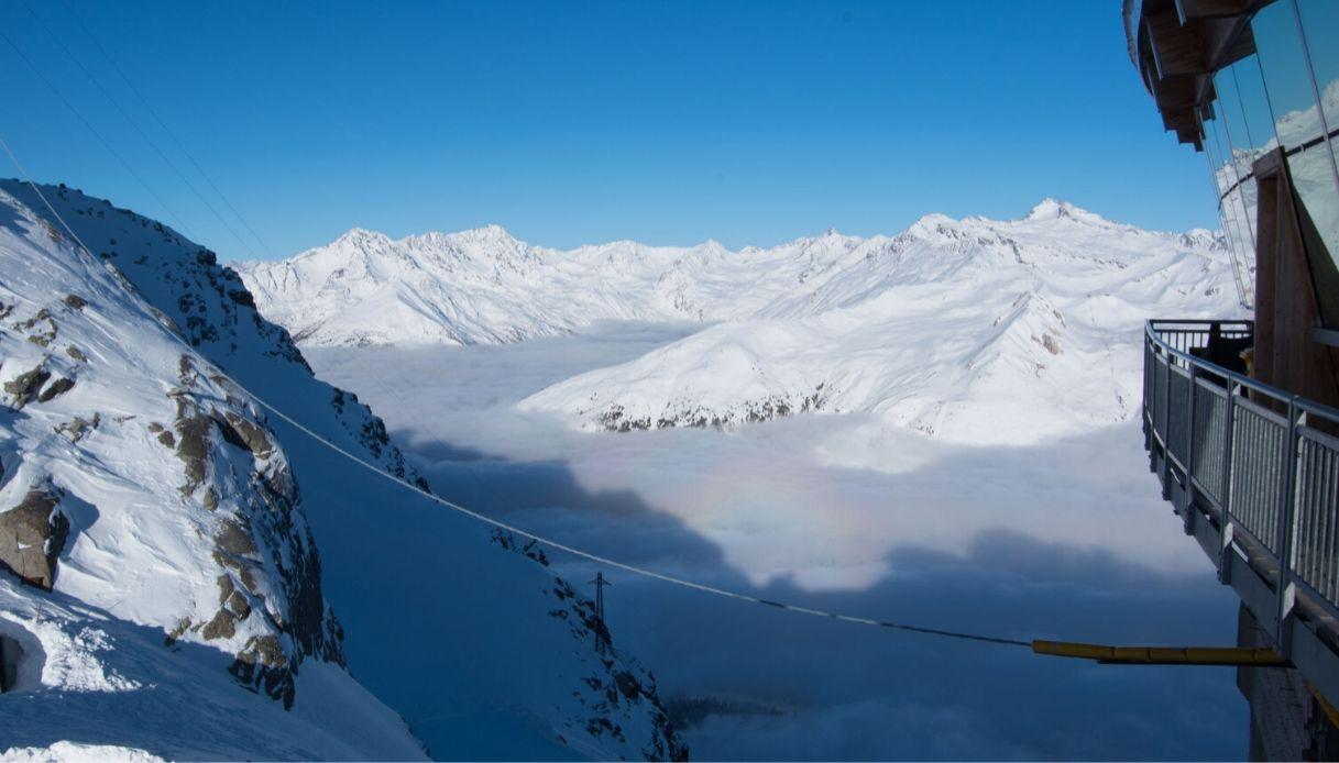 Neve rosa sulle Alpi Italiane: un'alga minaccia i ghiacciai
