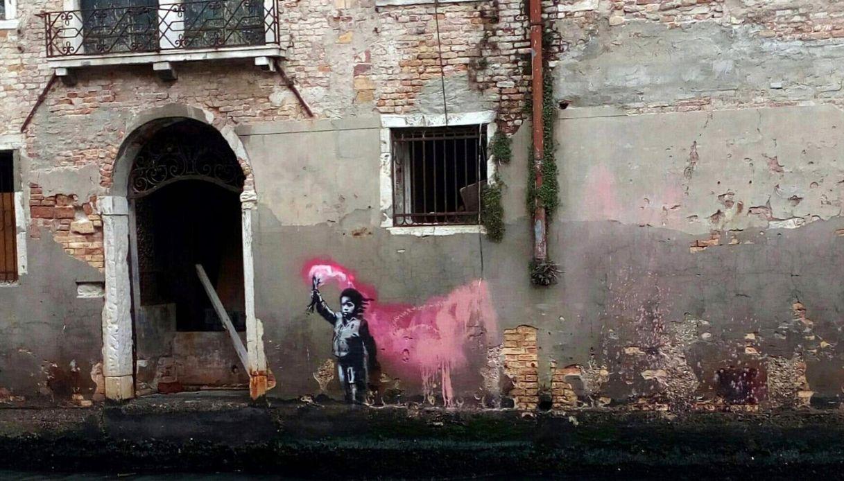 Il giallo del Banksy deturpato a Venezia