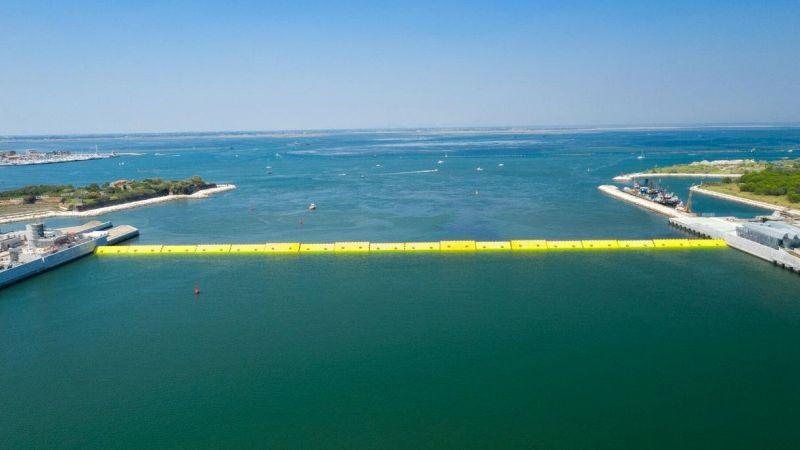 """Venezia, come sarebbe """"senza mare"""": le immagini del test del Mose"""