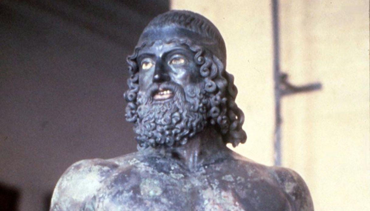 I Bronzi di Riace erano 5, biondi e dorati: la nuova teoria