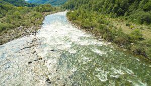 Piemonte, un'ordinanza divide a metà il fiume Sesia