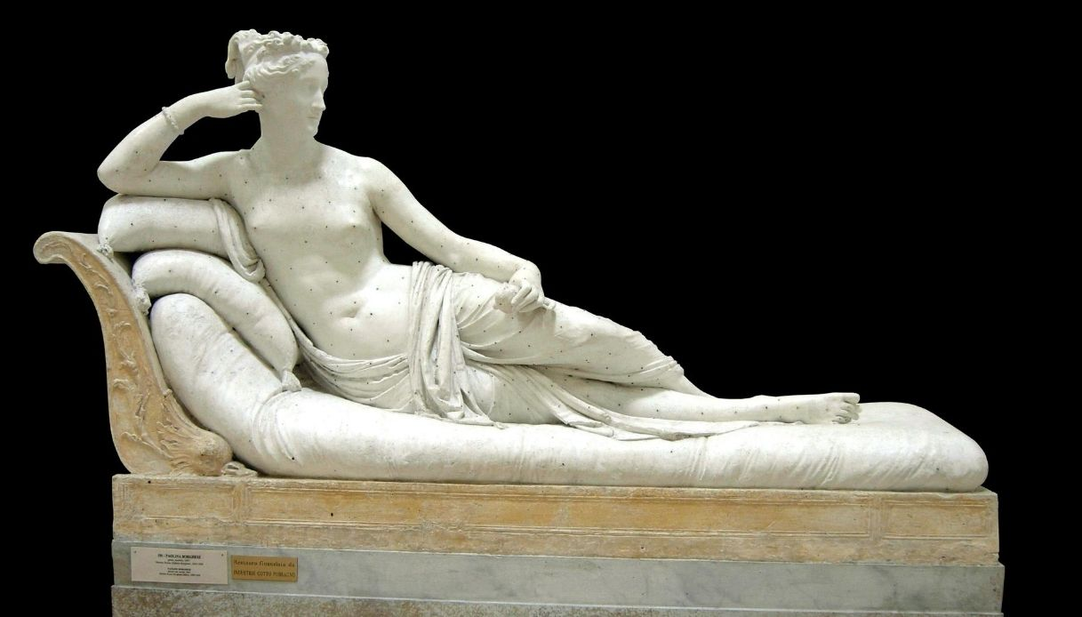 Paolina Borghese, l'opera di Canova danneggiata da un turista