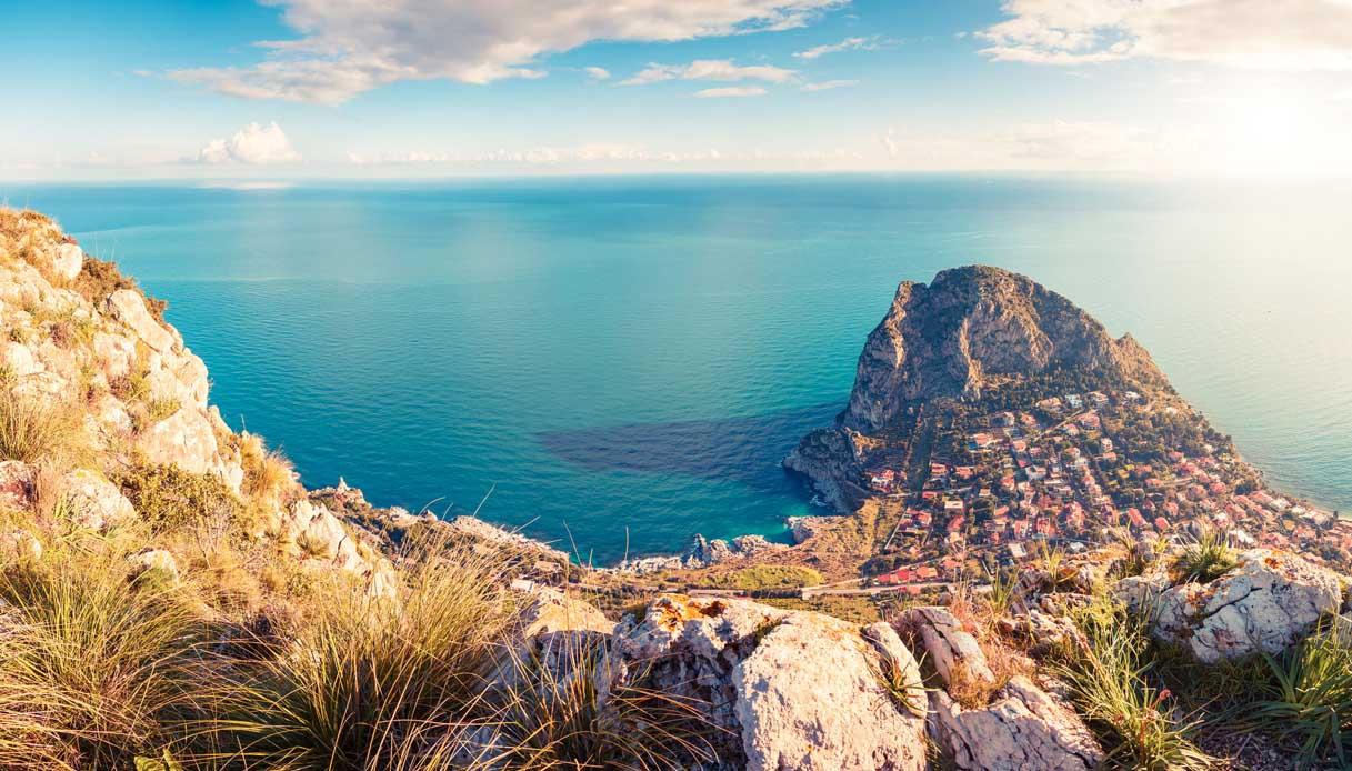 Svolta in Sicilia: la regione diventa plastic free