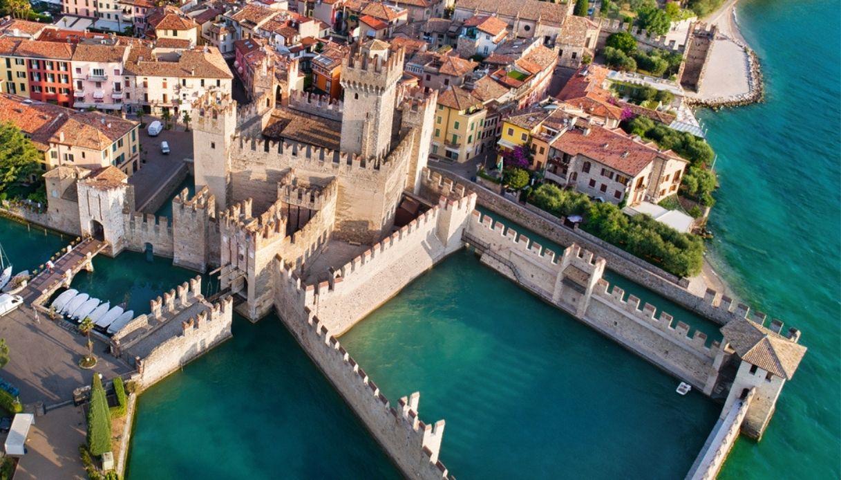 I 20 castelli più affascinanti d'Europa: tre sono in Italia