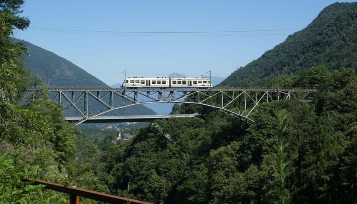 Il viaggio più panoramico d'Italia è il treno del foliage
