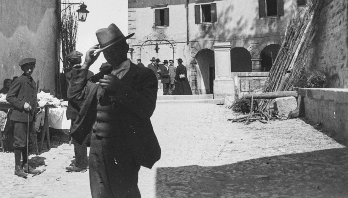 Chi è Cufter, il misterioso fotografo del passato star dei social