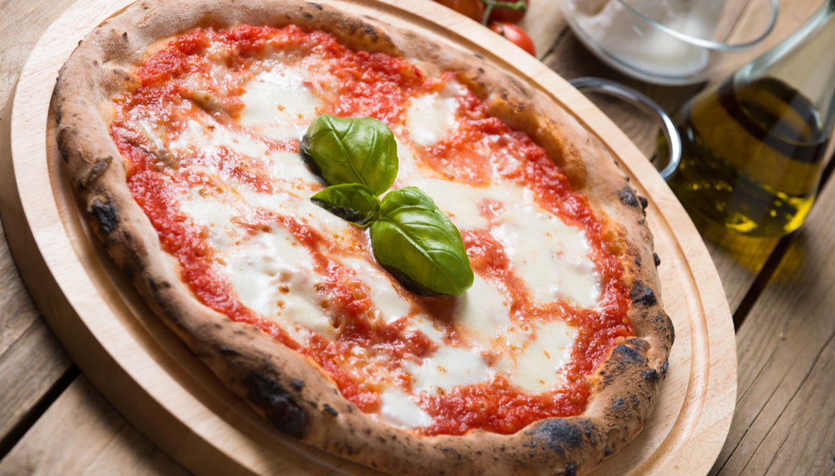 La pizza romana conquista la Francia