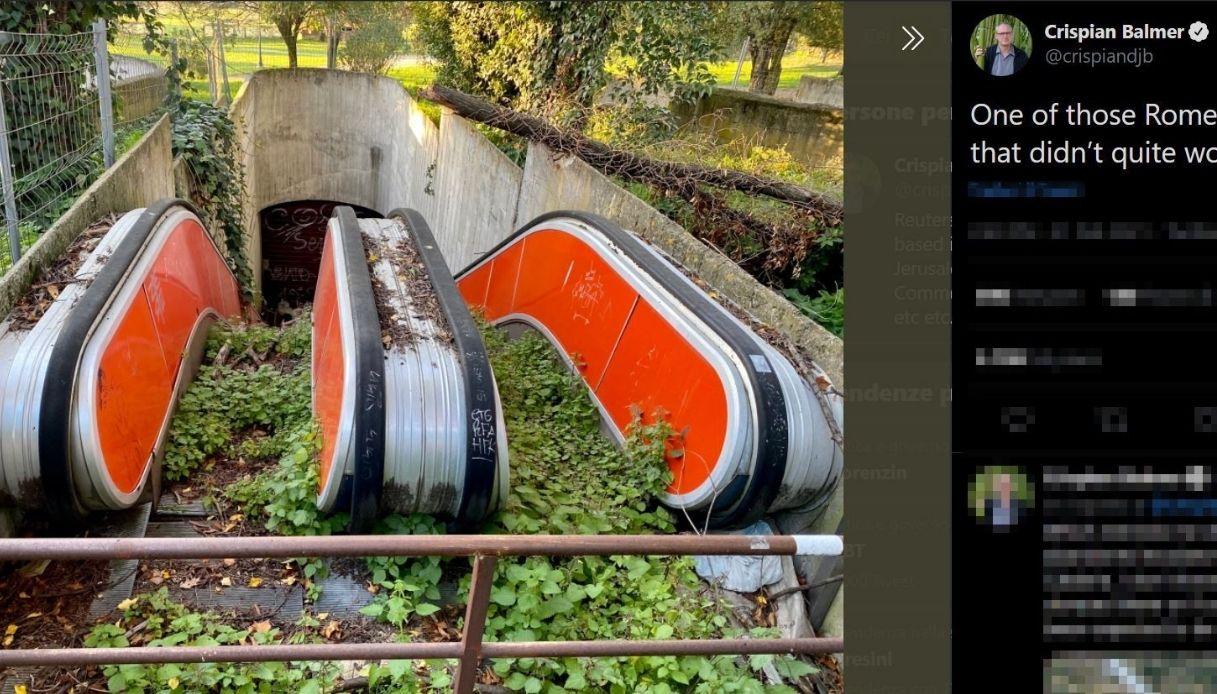 Villa Borghese: scale mobili abbandonate