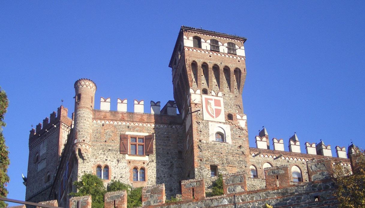 Il castello di Pavone è in vendita