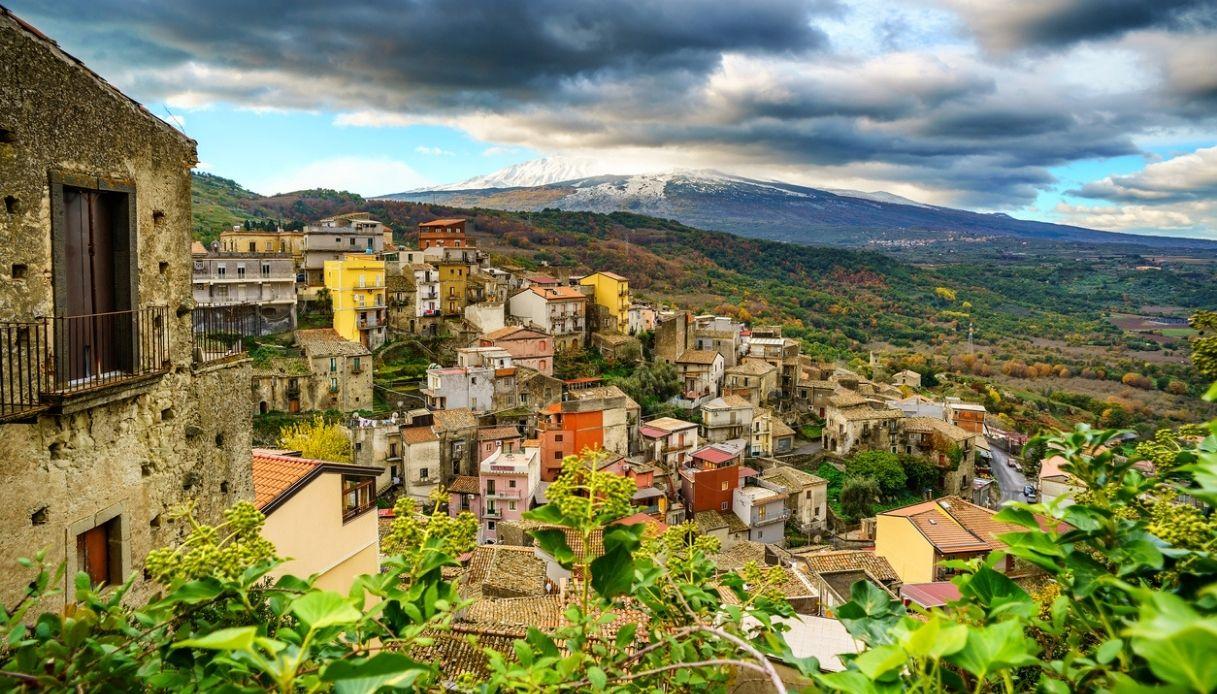 Case a 1 euro a Castiglione di Sicilia, tra l'Alcantara e l'Etna