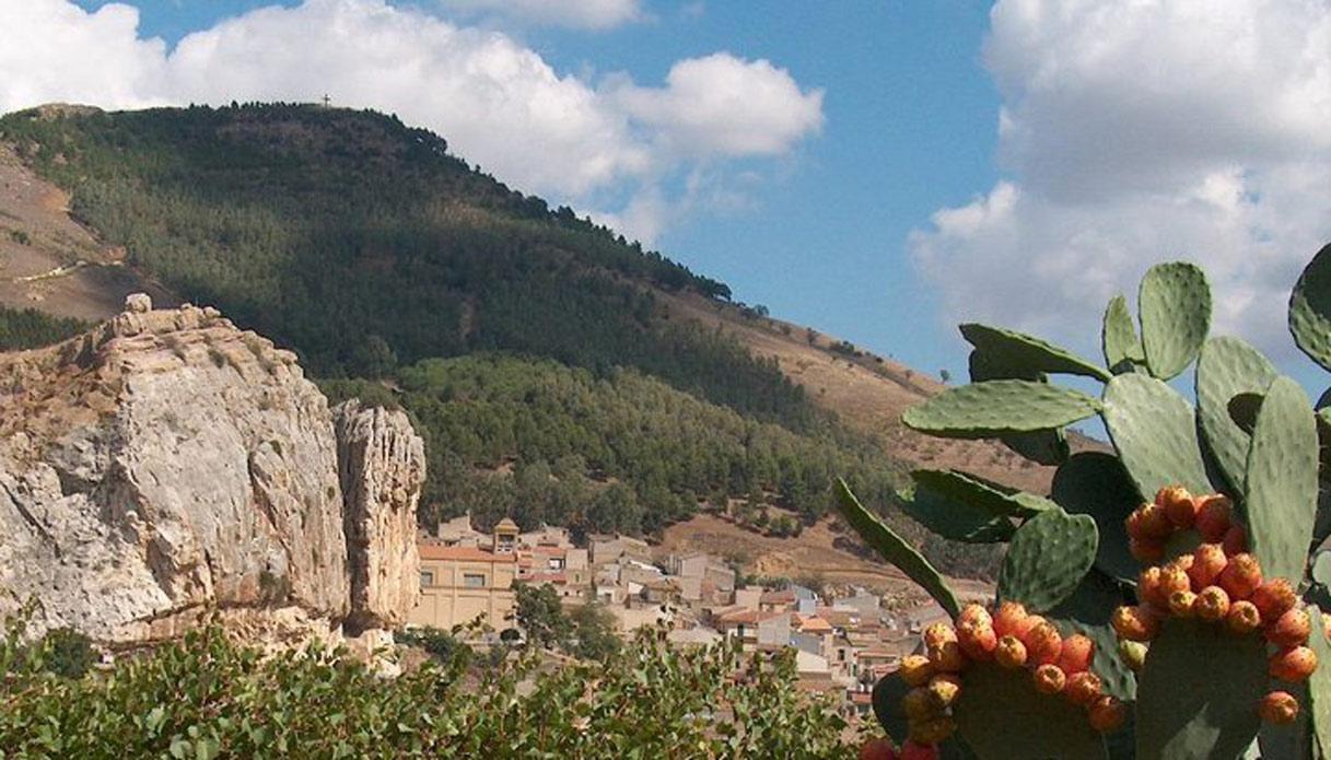 L'intero borgo di Roccapaulmba è in vendita