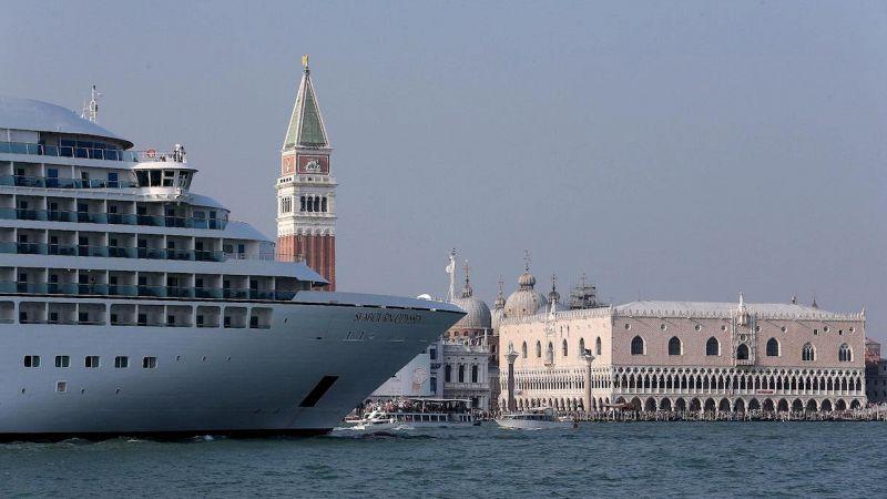 Venezia, addio alle grandi navi