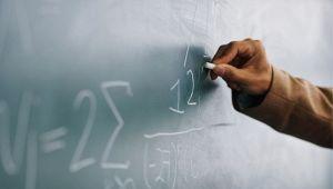 Stipendi insegnanti in Italia