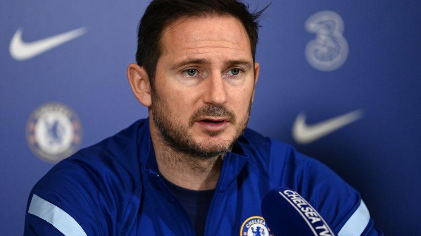 Frank Lampard tocca ferro