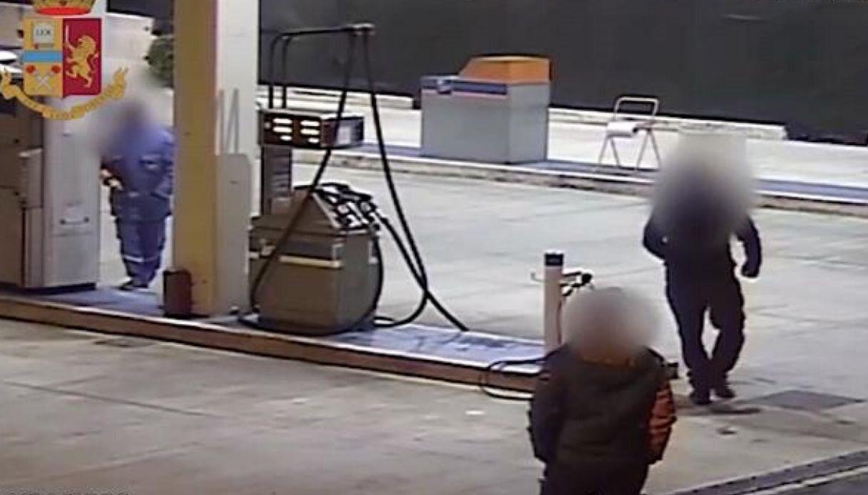 "Resultado de imagen de Truffa carburante, un video incastra due benzinai e un camionista"""