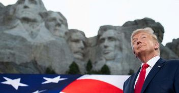 Lo show di Trump per il 4 luglio 'Un nuovo fascismo di sinistra'
