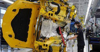 Istat, nuovi segnali positivi  dalla produzione industriale