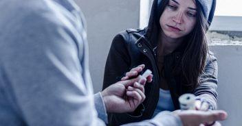 Aumenta il consumo di droga tra i giovani, poca prevenzione