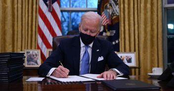 Inizia l'era del presidente Biden Vaccino e razzismo prime sfide
