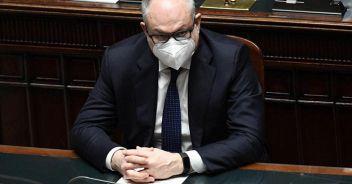Gualtieri: 'Con lo scostamento fondi anche per primavera'