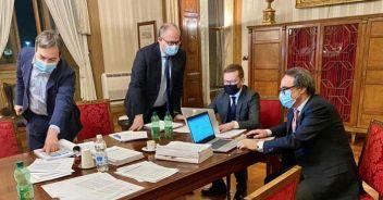 Gualtieri: 'Il 14 Cdm sui ristori, è incompatibile con la crisi'