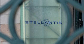 Stellantis debutta in Borsa Elkann: 'Grande opportunità'