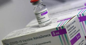 AstraZeneca: oltre 200 milioni di dosi al mese entro aprile