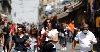 Israele, addio alla mascherina Resta l'obbligo al chiuso