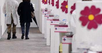 Vaccini, Figliuolo: 'A maggio oltre 15 milioni di dosi'