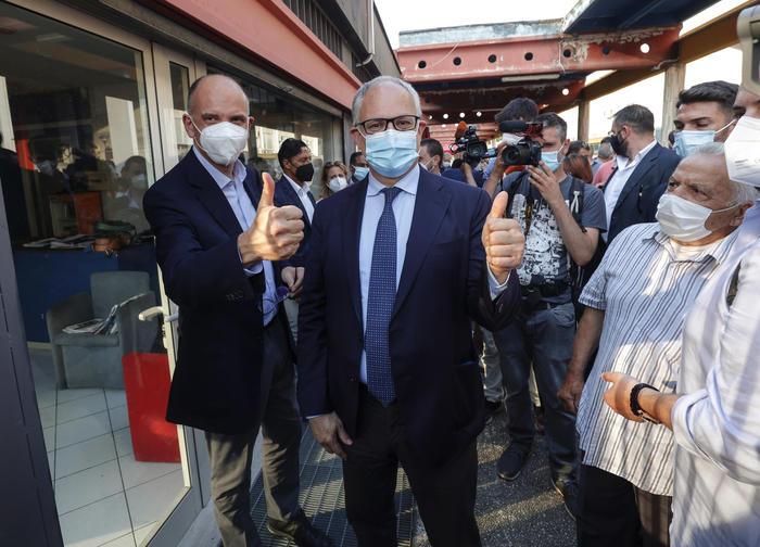Primarie a Roma e Bologna Letta: 'Grande affluenza'