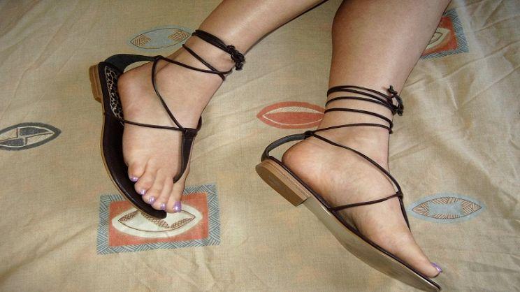 orologio a9ab1 5074b Sandali alla schiava: come indossarli per evitare cadute di ...