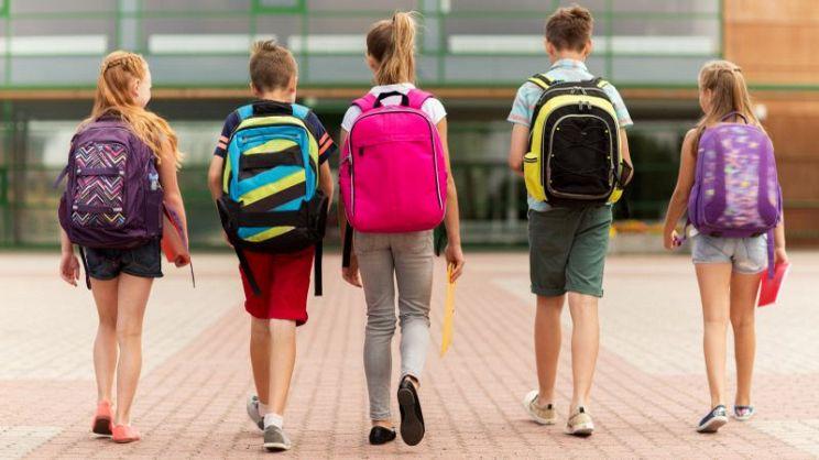 f0ae617688 Dovete scegliere lo zaino per la scuola più adatto ai vostri figli? Ecco  una piccola guida all'acquisto di questo importante accessorio scolastico