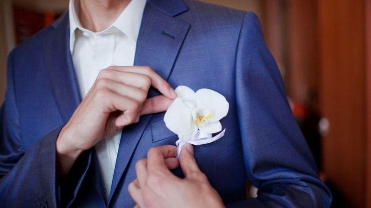newest 87b42 32c70 Abito da sposo blu: tutte le tonalità e come scegliere ...