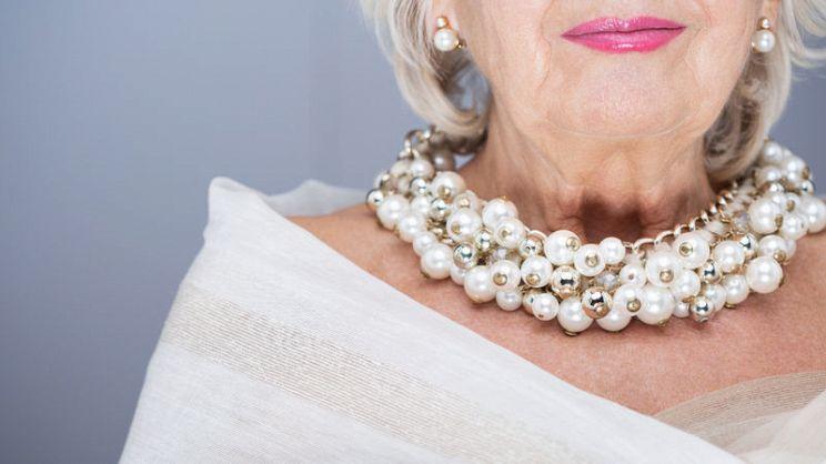 official photos b46b8 ea603 Stola elegante: come sceglierla in base all'abito ...