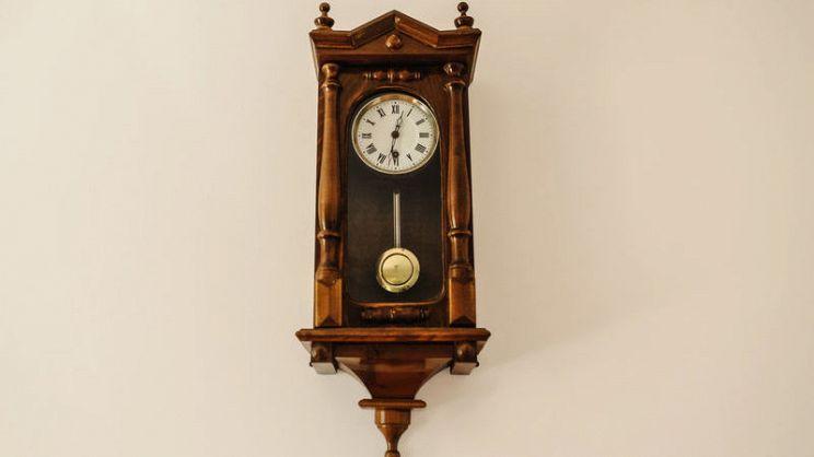 L\'orologio a pendolo: un tocco retrò per la tua casa ...