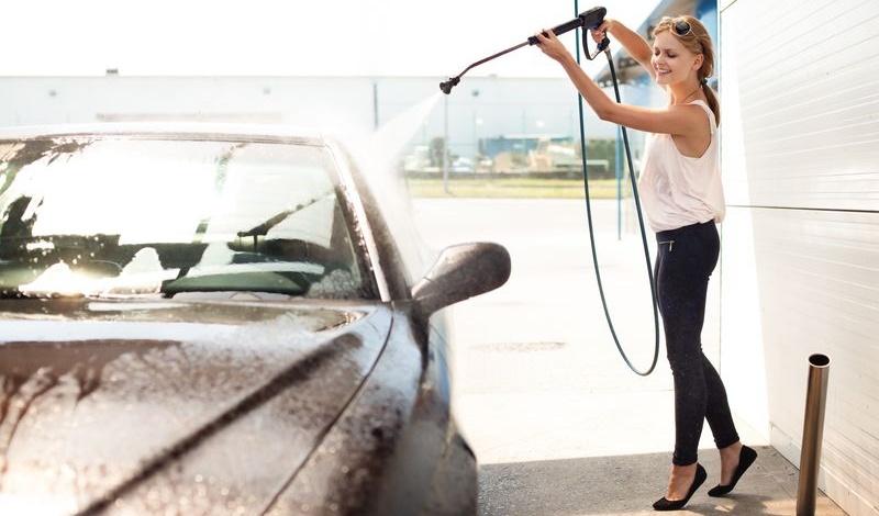 lavaggio dell'auto: tutte le soluzioni