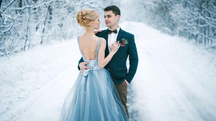 d54929cb097e Ecco gli abiti da sposa 2018 2019 più belli per sposarsi durante i mesi  freddi senza rinunciare allo stile. Abiti da cerimonia