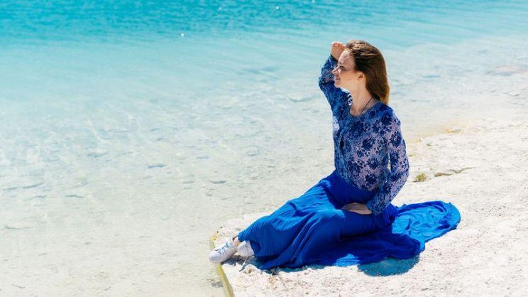 huge selection of ad1e8 a197b Quali colori abbinare a un vestito blu cobalto ...