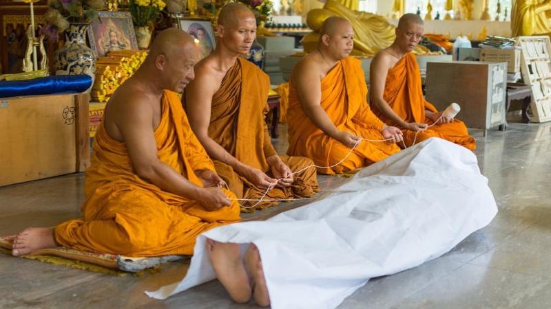 funerale buddista: si può fare in Italia?