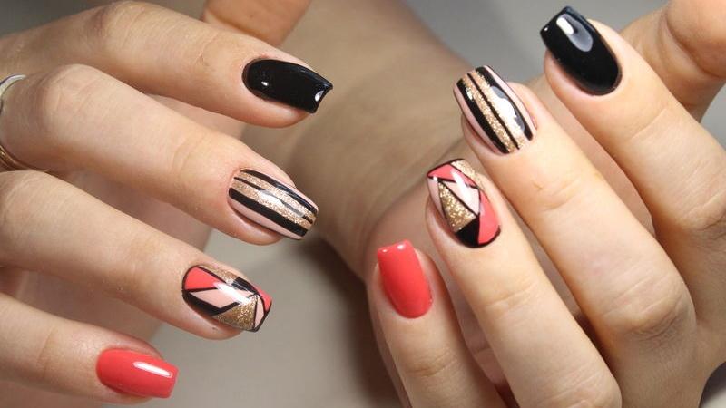 Le nuove tendenze per le unghie nel 2019 sono all\u0027insegna dello stile e  della vivacità ecco quali sono i colori da provare per ottenere un vero  effetto wow
