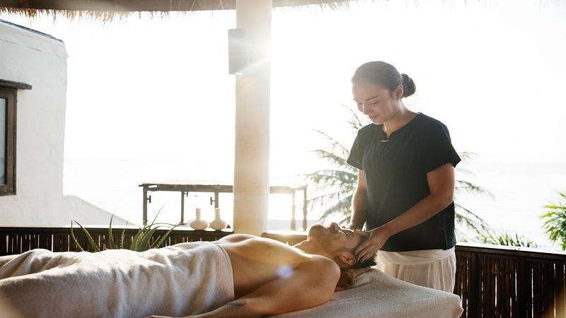 Cos'è il massaggio lomi lomi