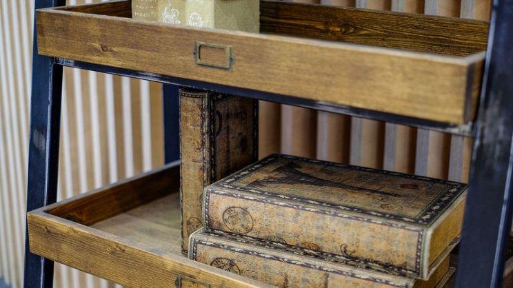 Come rendere moderno un etagere antico | PagineGialle Magazine