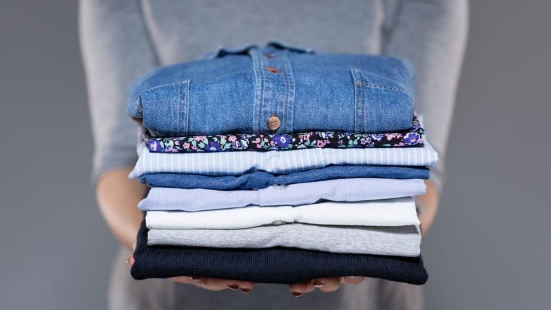 come disinfettare vestiti usati