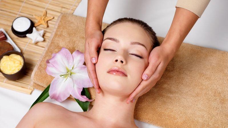 10 massaggi viso